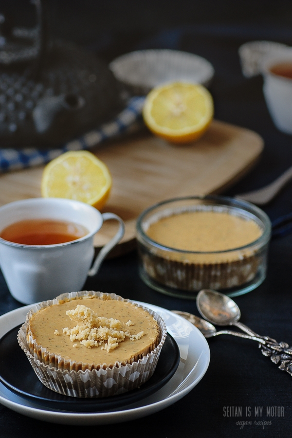 white chocolate lemon pies | seitanismymotor.com
