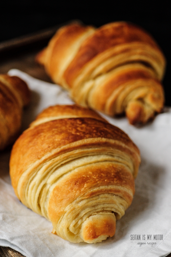 vegan croissants with margarine or coconut oil